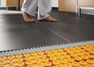 heating cable under tiles